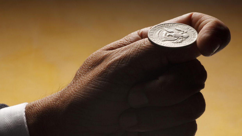 Como tomar decisões mais inteligentes com uma moeda?